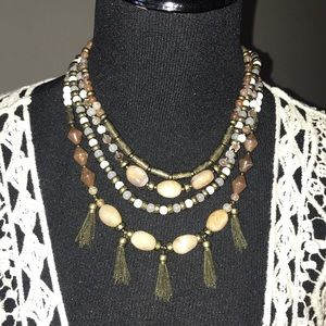 "Premier Designs ""New Neutrals"" necklace"